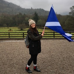 Amanda with the Scottish flag