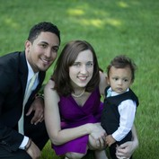 Emily (Morse) de la Cruz and family