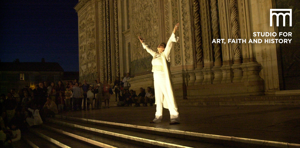 performance on duomo steps